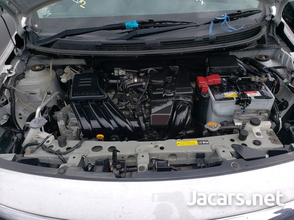 Nissan Latio 1,3L 2017-10