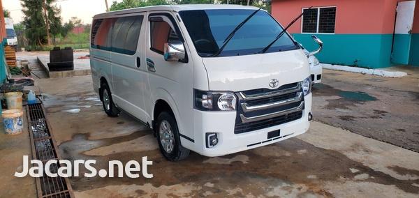 Toyota Hiace 3,0L 2014-4