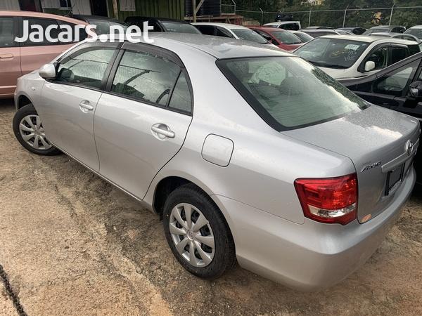 Toyota Axio 1,5L 2010-3
