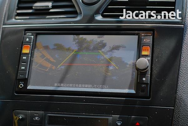 Nissan Serena 2,0L 2012-13