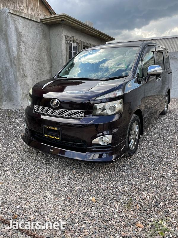Toyota Voxy 1,2L 2011-1