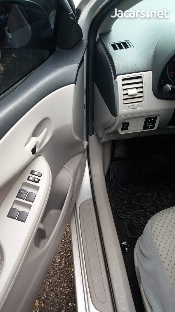 Toyota Corolla 1,8L 2013-6