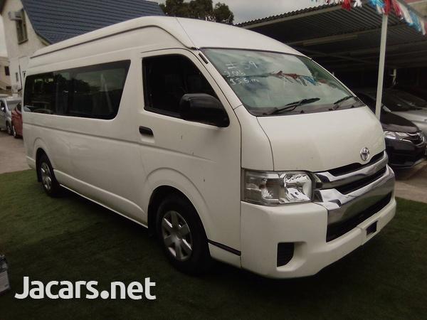 2016 Toyota Hiace Commuter-9