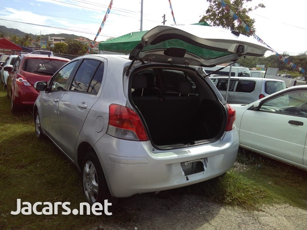 Toyota Vitz 1,3L 2008-3