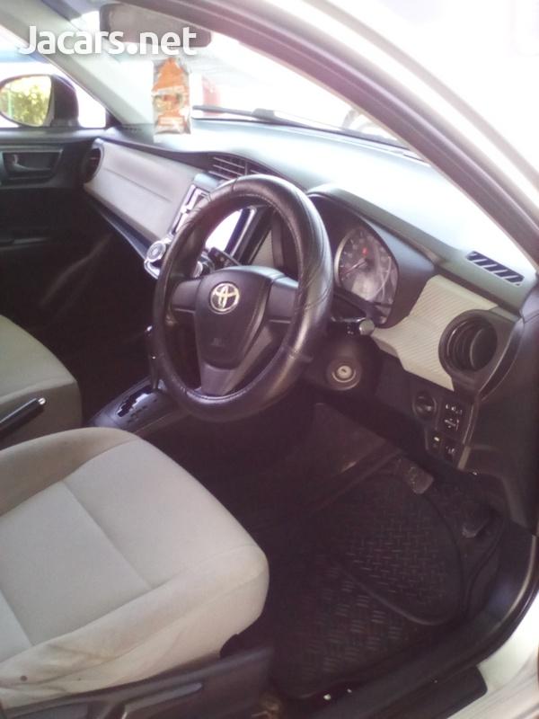 Toyota Axio 2,0L 2012-5