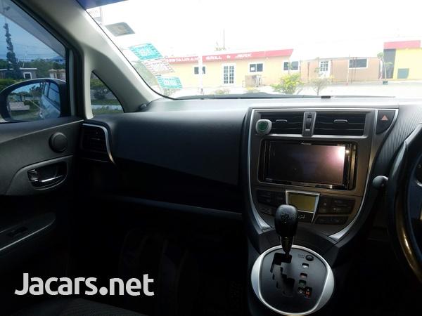 Toyota Ractis 1,5L 2011-3