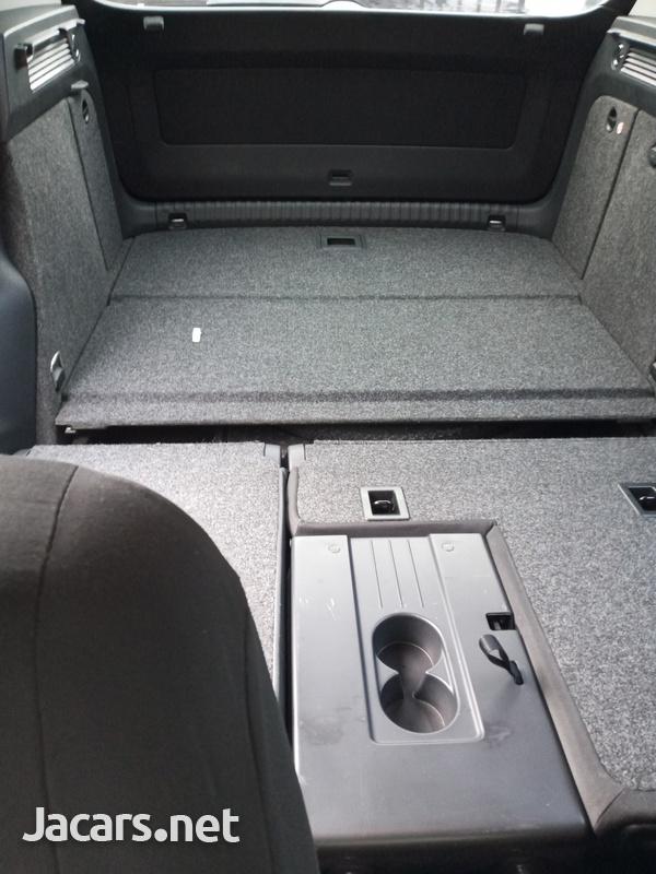 Volkswagen Tiguan 2,0L 2014-4