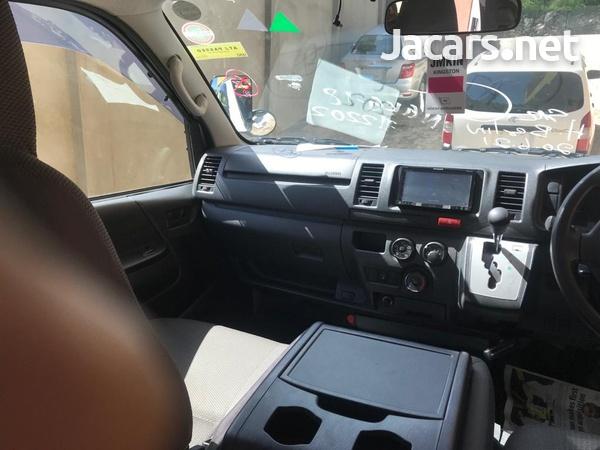 2015 Toyota Hiace Bus-12