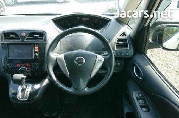 Nissan Serena 2,0L 2013-7