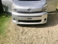 Toyota Voxy 0,8L 2012