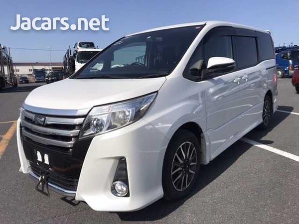 Toyota Noah 2,0L 2014-2