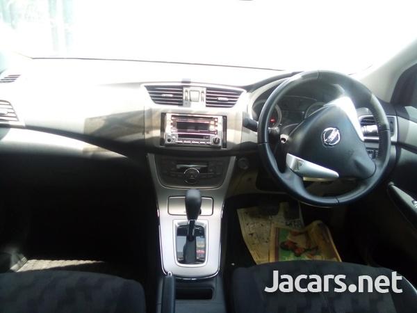 Nissan Sylphy 2,0L 2015-4