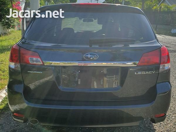 Subaru Legacy 2,5L 2013-4