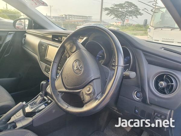 Toyota AURIS 1,8L 2016-4