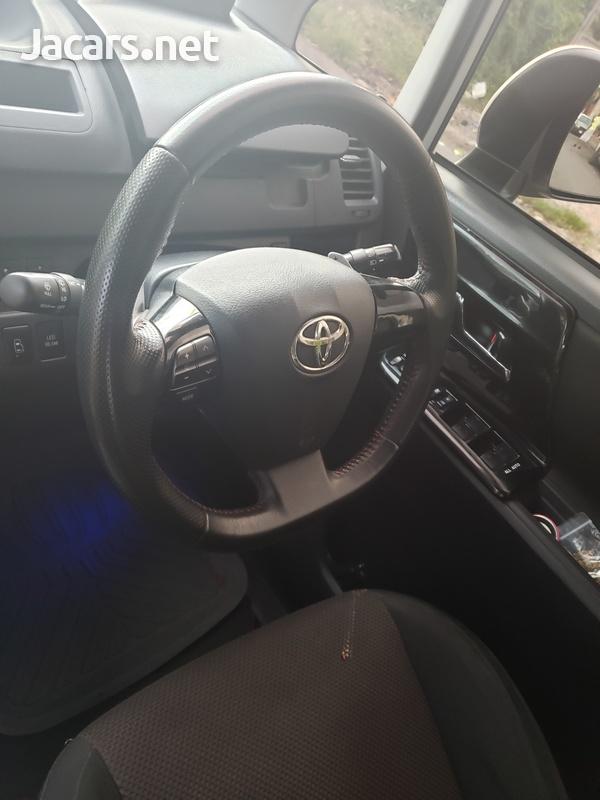 Toyota Noah G'S 2,0L 2011-3