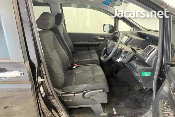 Honda Stepwgn Spada 2,0L 2012-3
