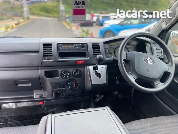 Toyota Hiace 2,0L 2017-7
