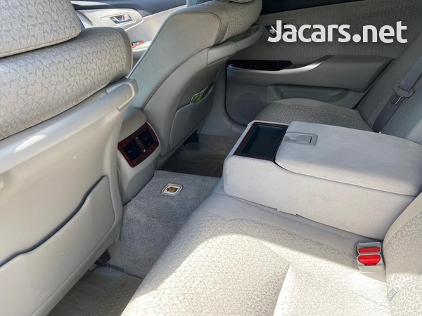 Toyota Crown 2,5L 2012-4
