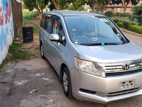 Honda stepwagon 2,0L 2010