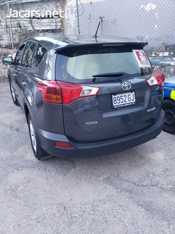 Toyota RAV4 2,0L 2013-8