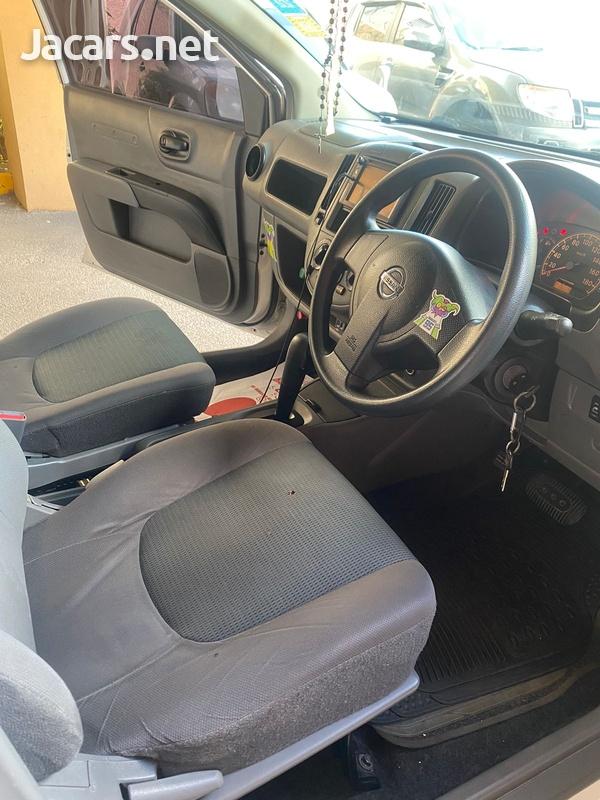 Nissan AD Wagon 1,3L 2012-10