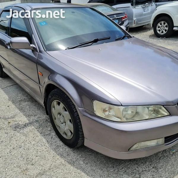 Honda Accord 2,0L 2001-3