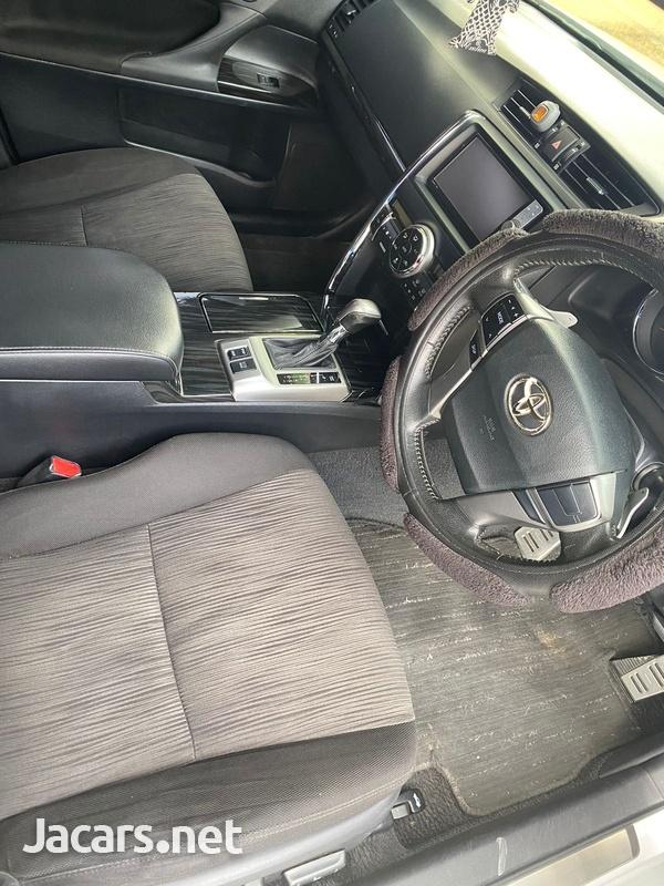 Toyota Mark X 2,0L 2011-6