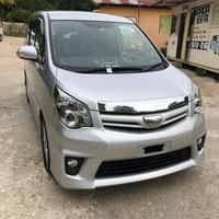 Toyota Noah 2,0L 2011