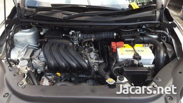 Nissan Sylphy 2,0L 2014-8