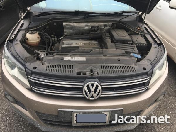 Volkswagen Tiguan 2,0L 2012-3