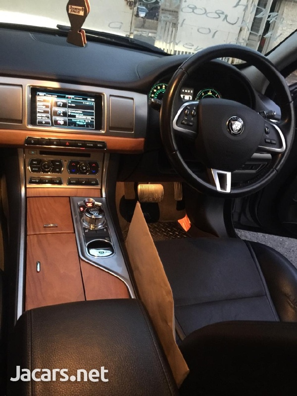 Jaguar XF 2,0L 2014-2