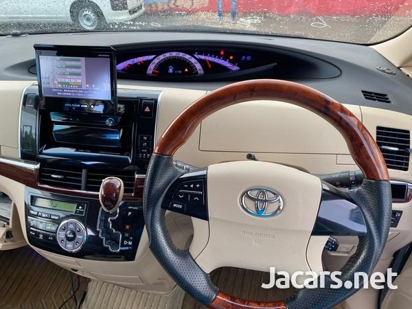 Toyota Estima 2,4L 2012-10