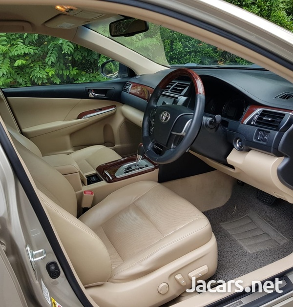 Toyota Camry 2,0L 2014-4