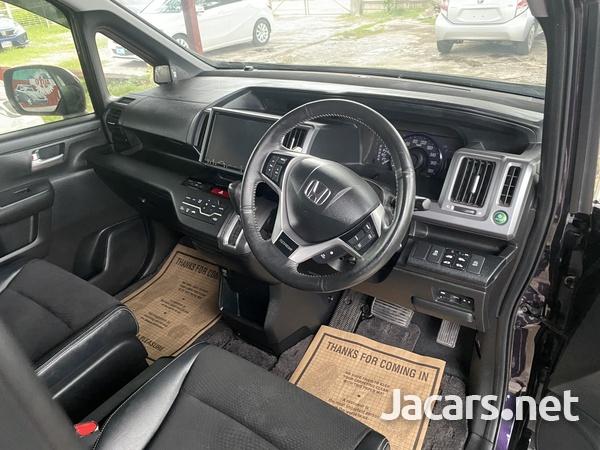 Honda Stepwgn Spada 2,0L 2013-3