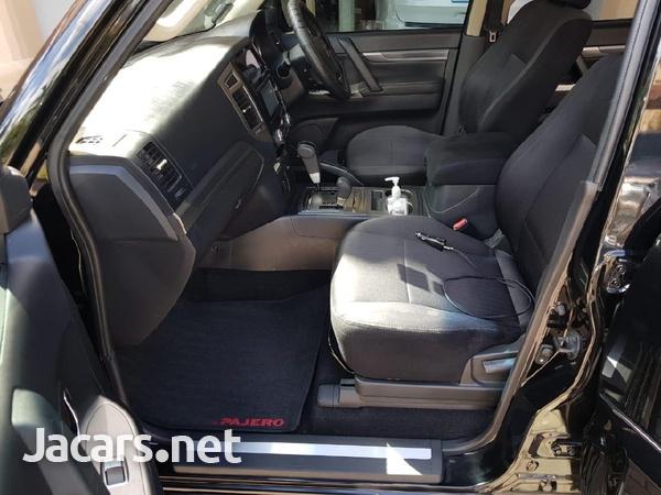 Mitsubishi Pajero 3,5L 2019-4