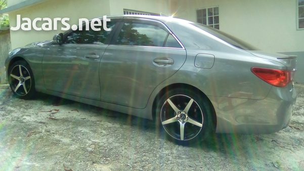 Toyota Mark X 6,0L 2010-3