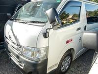 Toyota Hiace 2013