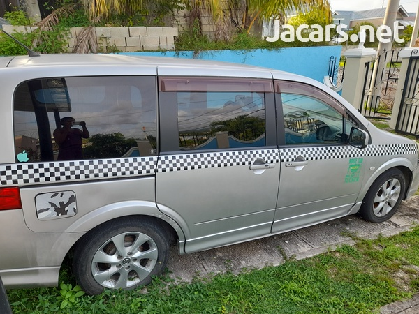 Nissan LaFesta 2,0L 2010-6