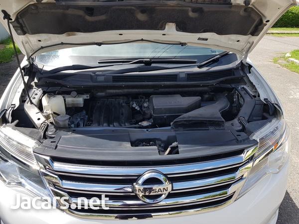 Nissan Serena 2,0L 2015-7