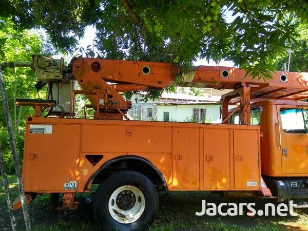 International 4700 Truck BODY ONLY-2