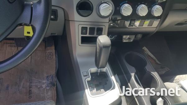 Toyota Tundra 5,7L 2012-3