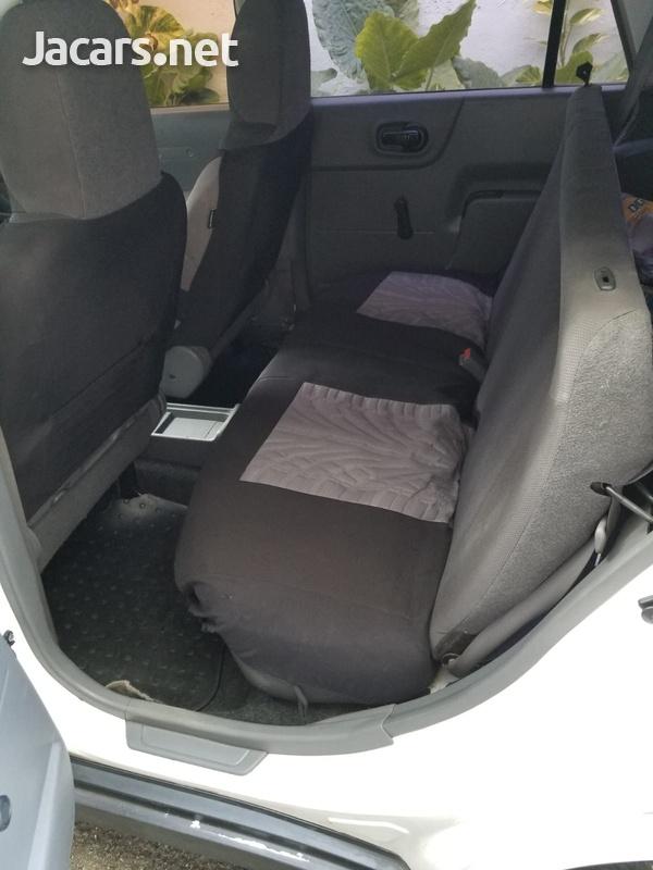 Mazda Familia 1,5L 2013-10