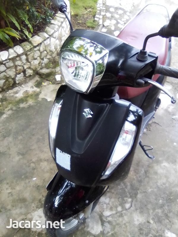 Suzuki Access 125 Scooter 2016-1