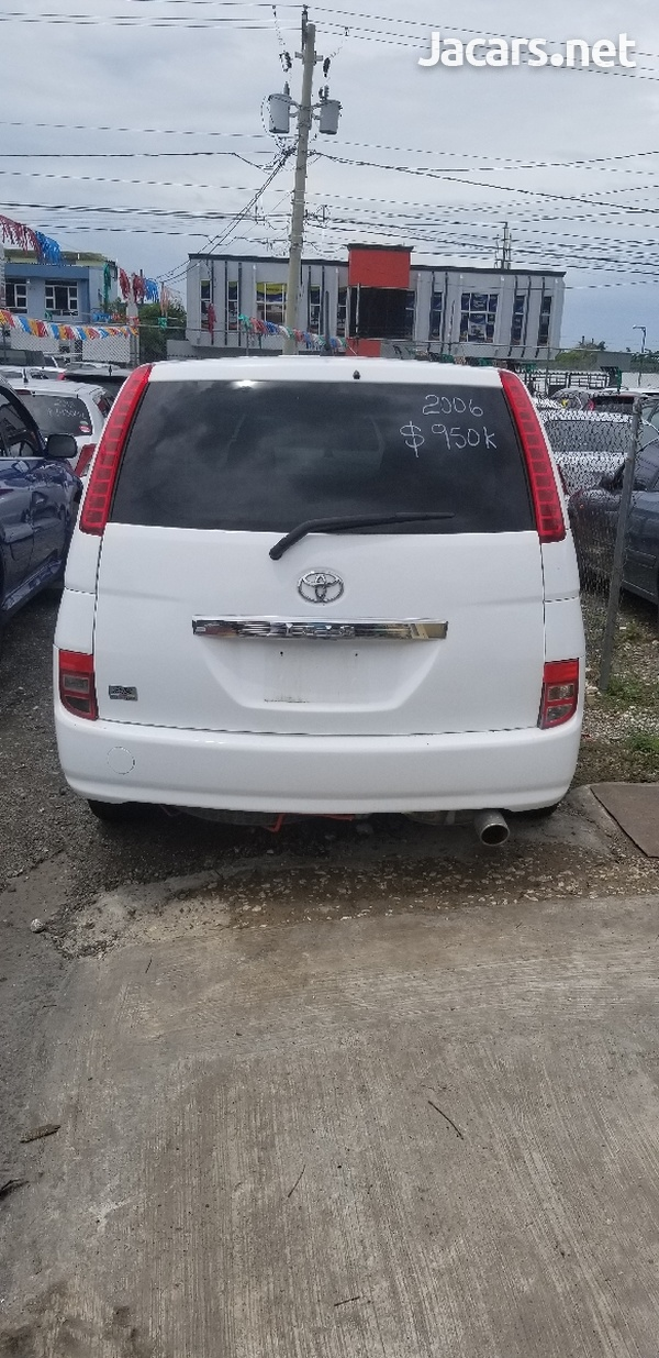 Toyota Isis 1,7L 2006-7