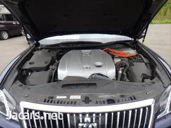 Toyota Crown 2,5L 2018-8