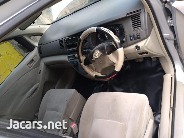 Toyota Isis 1,8L 2010-7