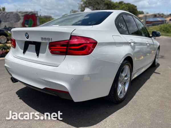 BMW 3-Series 2,0L 2017-10
