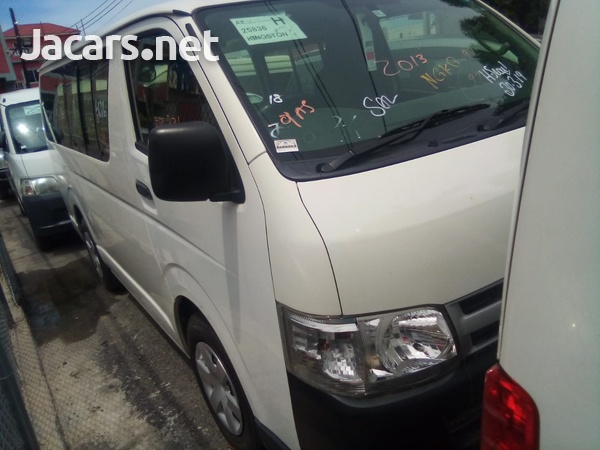 2013 Toyota Hiace Bus-7