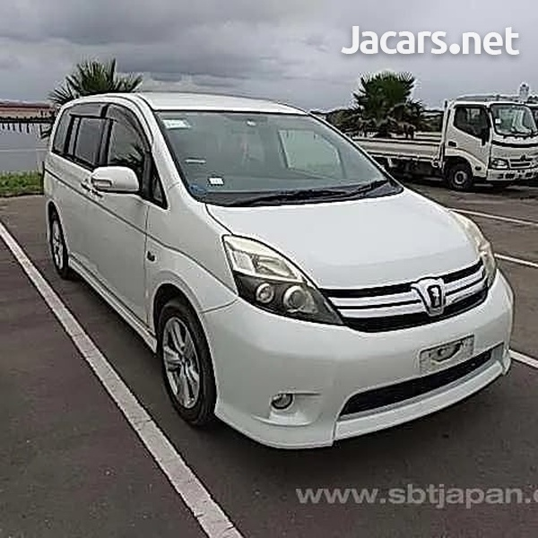 Toyota Isis 1,8L 2012-5