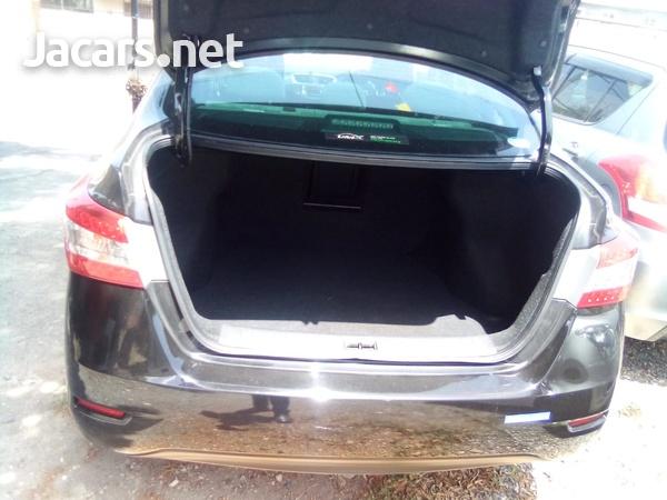 Nissan Sylphy 2,0L 2015-8